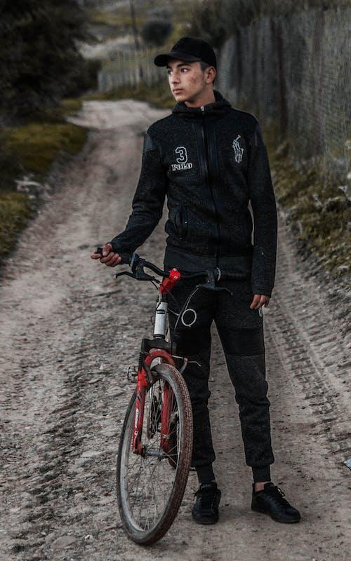 Foto profissional grátis de #models, bicicleta, bicicleteiro, carona