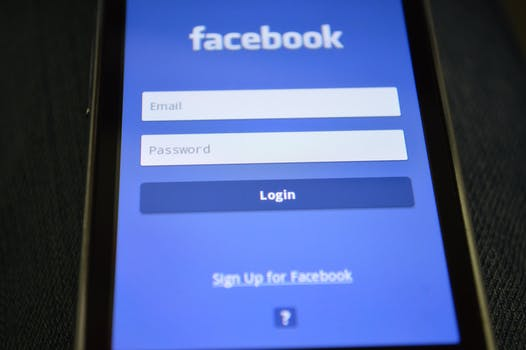 Major Android apps are still sending data to Facebook without your consent