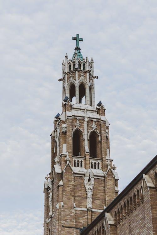Kostnadsfri bild av arkitektur, gotiska, kyrka, röd tegelsten