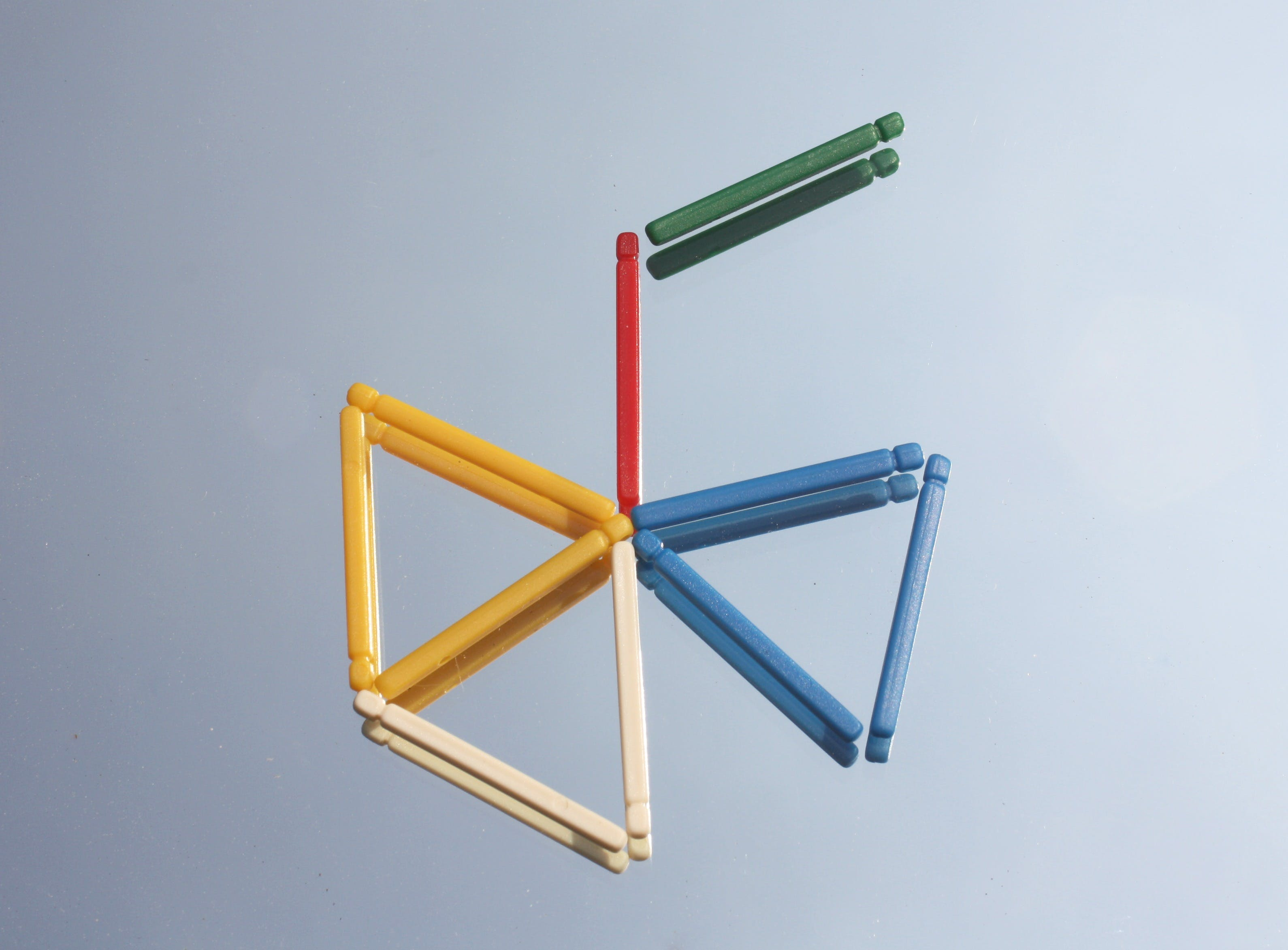 Assorted-color Stick Forming Triangle