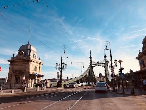 Ilmainen kuvapankkikuva tunnisteilla joki, kaupunki, silta
