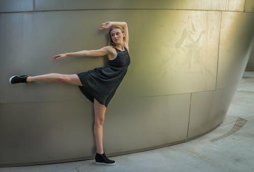 伸展, 現代, 腿, 舞蹈家 的 免费素材照片