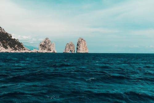 岛卡普里岛, 岩石, 海, 阿馬爾菲海岸 的 免费素材照片