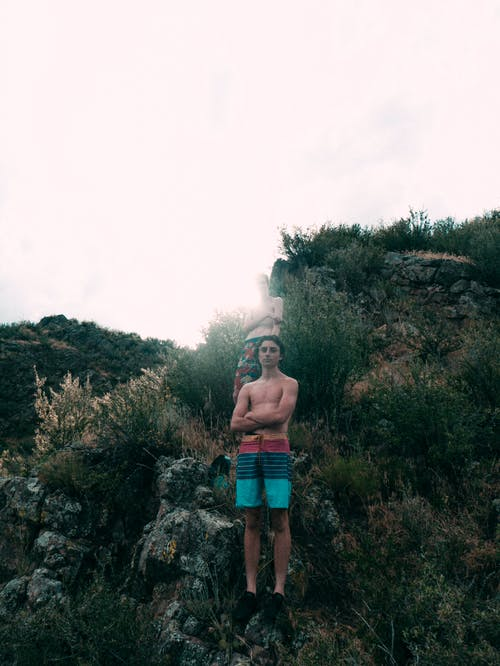 Foto stok gratis alam, baju renang, basah, batu