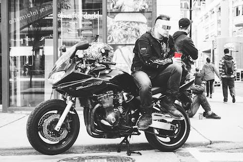 Darmowe zdjęcie z galerii z czarno-biały, czerwony, kawa, motocykl