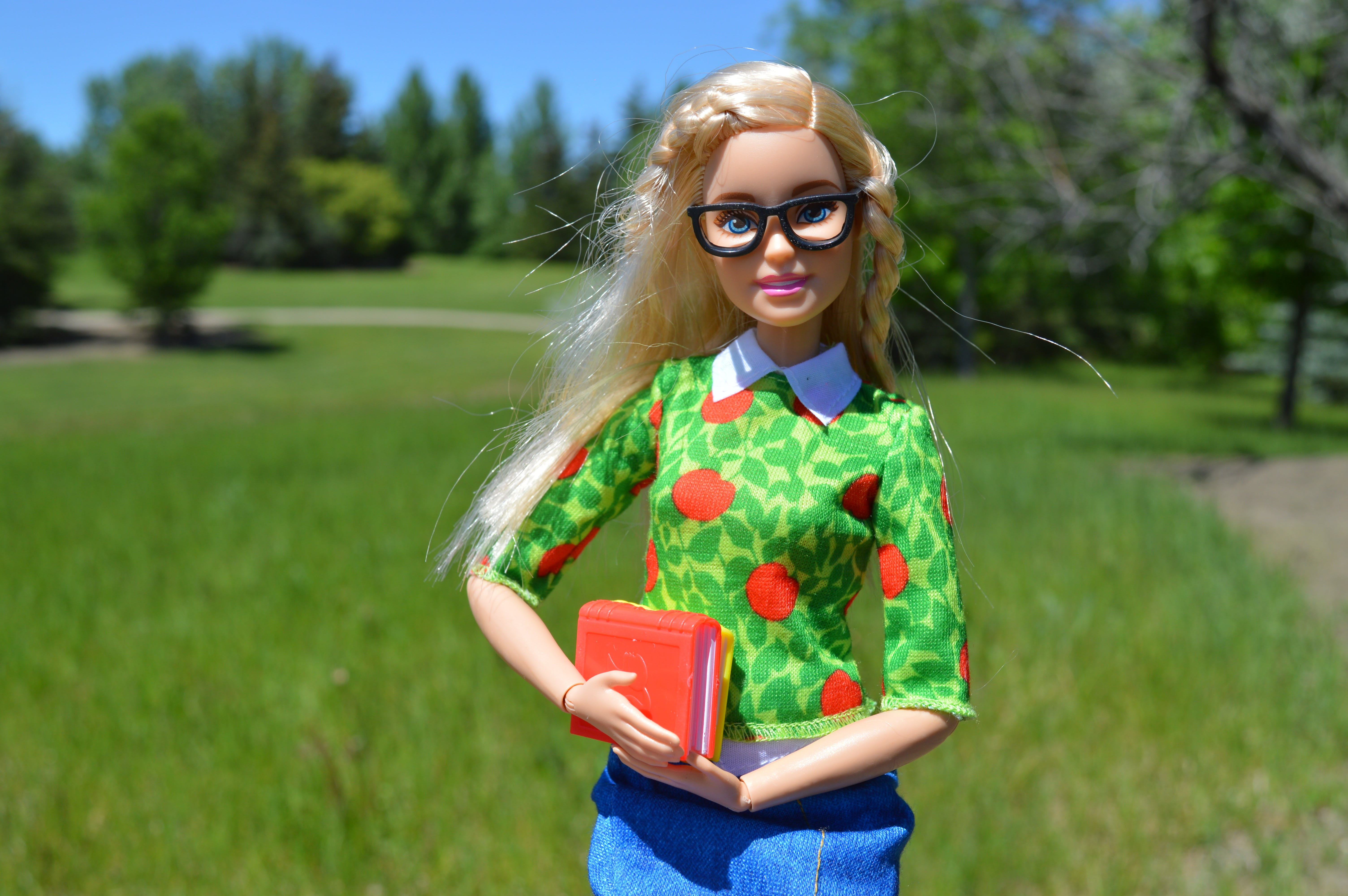 Free stock photo of attractive, Barbie, blonde, books
