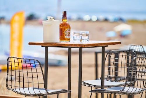 Kostenloses Stock Foto zu alkohol, alkohol flasche, alkoholisches getränk, chivas regal
