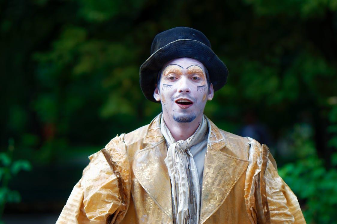 aktor, gest, kapelusz