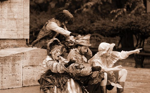 Darmowe zdjęcie z galerii z aktorzy, figury, gestykulując, ludzie