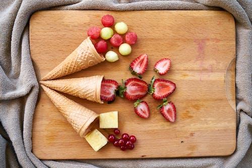 Kostenloses Stock Foto zu ananas, chillen, erdbeere, essen
