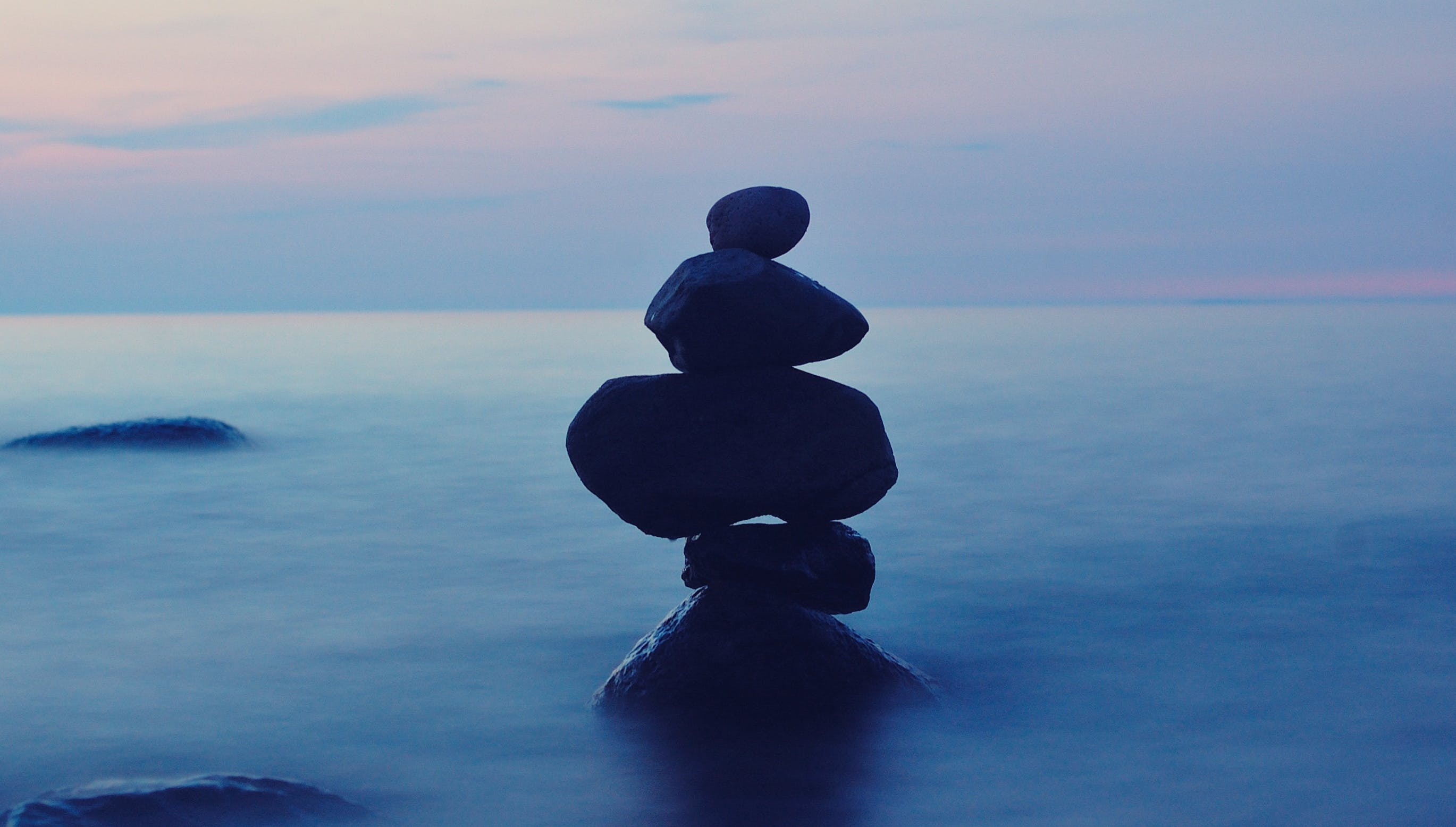 Kostenloses Stock Foto zu balance, entspannung, felsen, meer