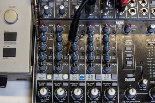 Foto d'estoc gratuïta de Dj, freqüència, música, sintetitzador