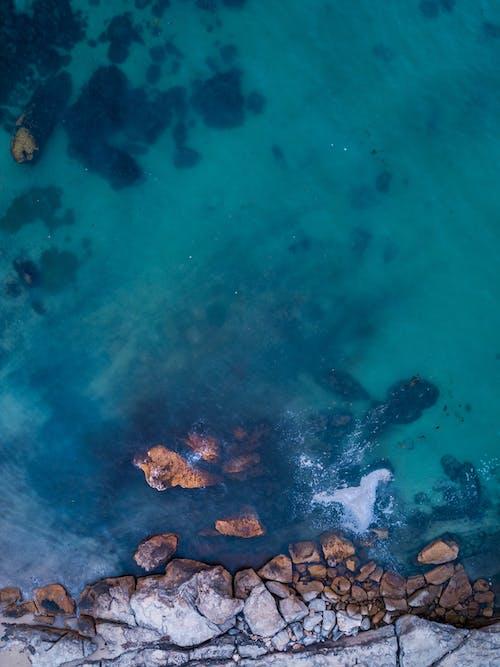 공중 촬영, 물, 바다, 바위의 무료 스톡 사진