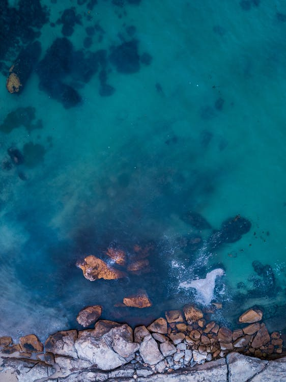 aallot, droonikuva, hiekkaranta