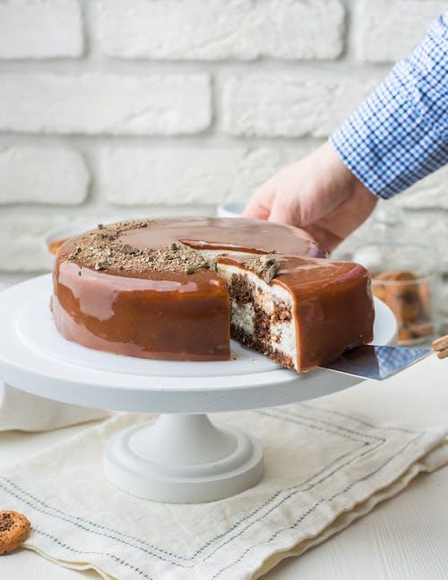 Piatto Di Torta Con Glassa Di Cioccolato