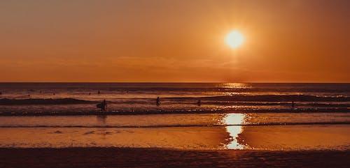 Darmowe zdjęcie z galerii z fale, lato, niebo, ocean