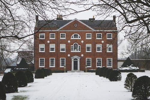 Foto d'estoc gratuïta de casa, casa antiga, casa de neu, casa gran
