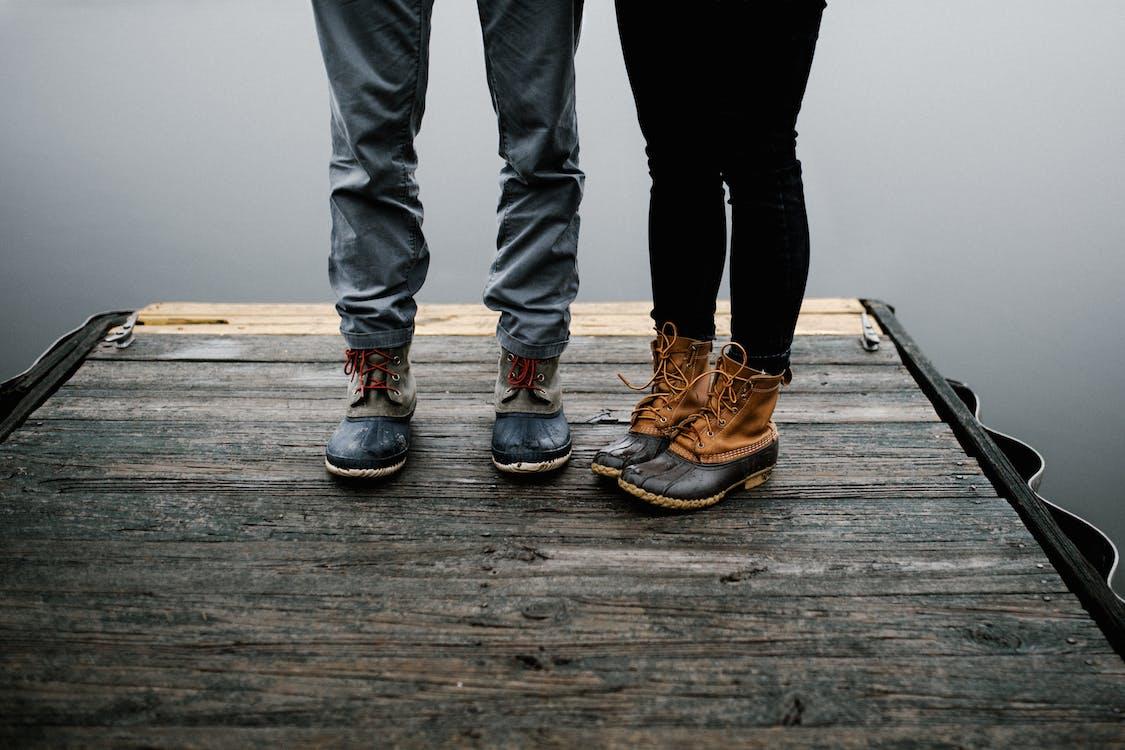 boty, dok, dřevo