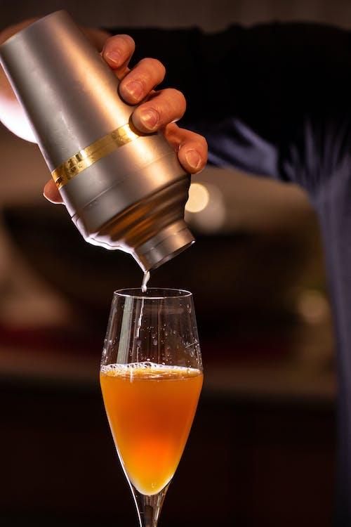 алкогольные напитки, алкогольный напиток, бокал для коктейля