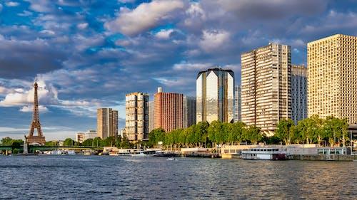 Foto d'estoc gratuïta de arquitectura, cel, ciutat, edificis