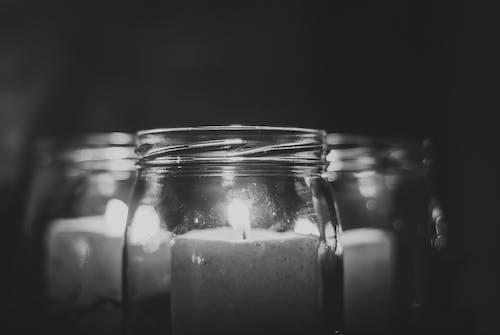 Бесплатное стоковое фото с ваза, горящая свеча, ночные огни
