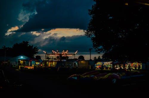 Fotos de stock gratuitas de anochecer, buen tiempo, carnaval, espeluznante
