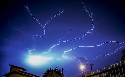 Gratis lagerfoto af aften, blå, dramatisk, elektricitet