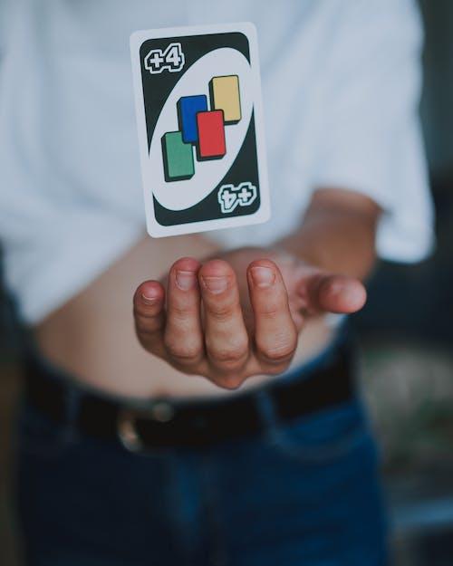 Photos gratuites de carte, enfance, femme, jouer