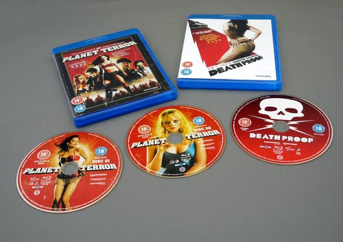 Fotobanka sbezplatnými fotkami na tému b-movie, balenie, blu-ray, disky
