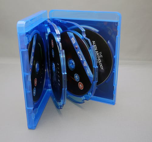 Fotobanka sbezplatnými fotkami na tému balenie, blu-ray, box set, cudzinec
