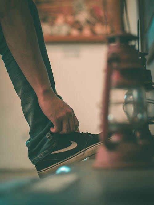 검은 구두, 다리, 신발, 신발끈의 무료 스톡 사진