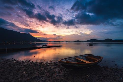 Foto d'estoc gratuïta de barca, reflex, unrise