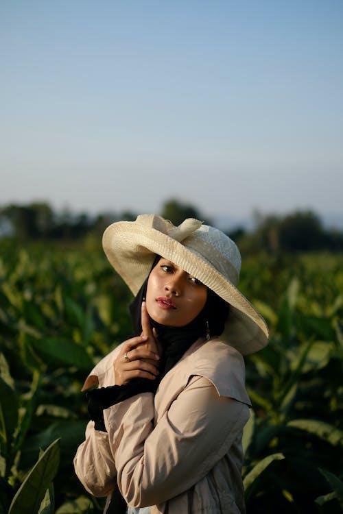 Безкоштовне стокове фото на тему «азіатські жінки, жіноча мода, мусульманський, хіджаб»