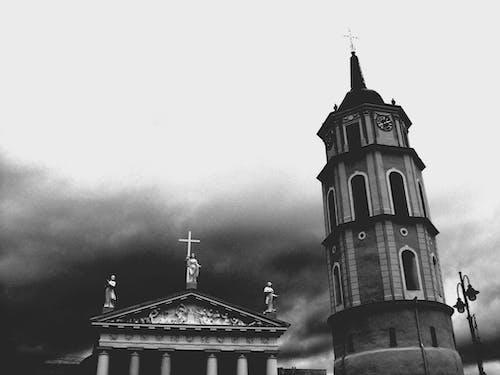 Δωρεάν στοκ φωτογραφιών με αρχιτεκτονική, ασπρόμαυρο, βίλνιους, εκκλησία