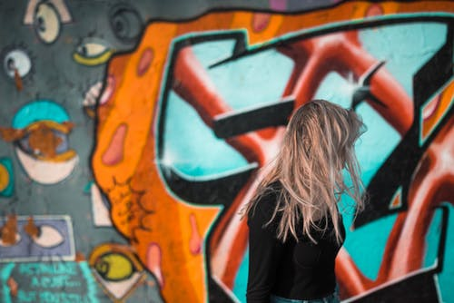 Foto d'estoc gratuïta de graffiti, nena, ros
