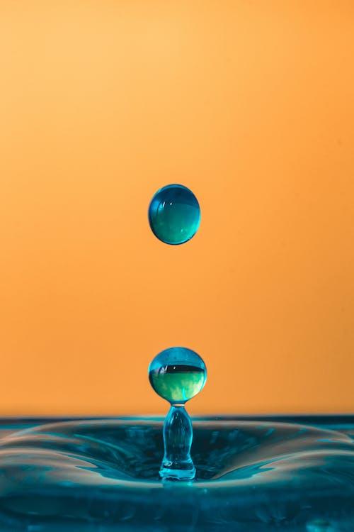 Water Drops Wallpaper