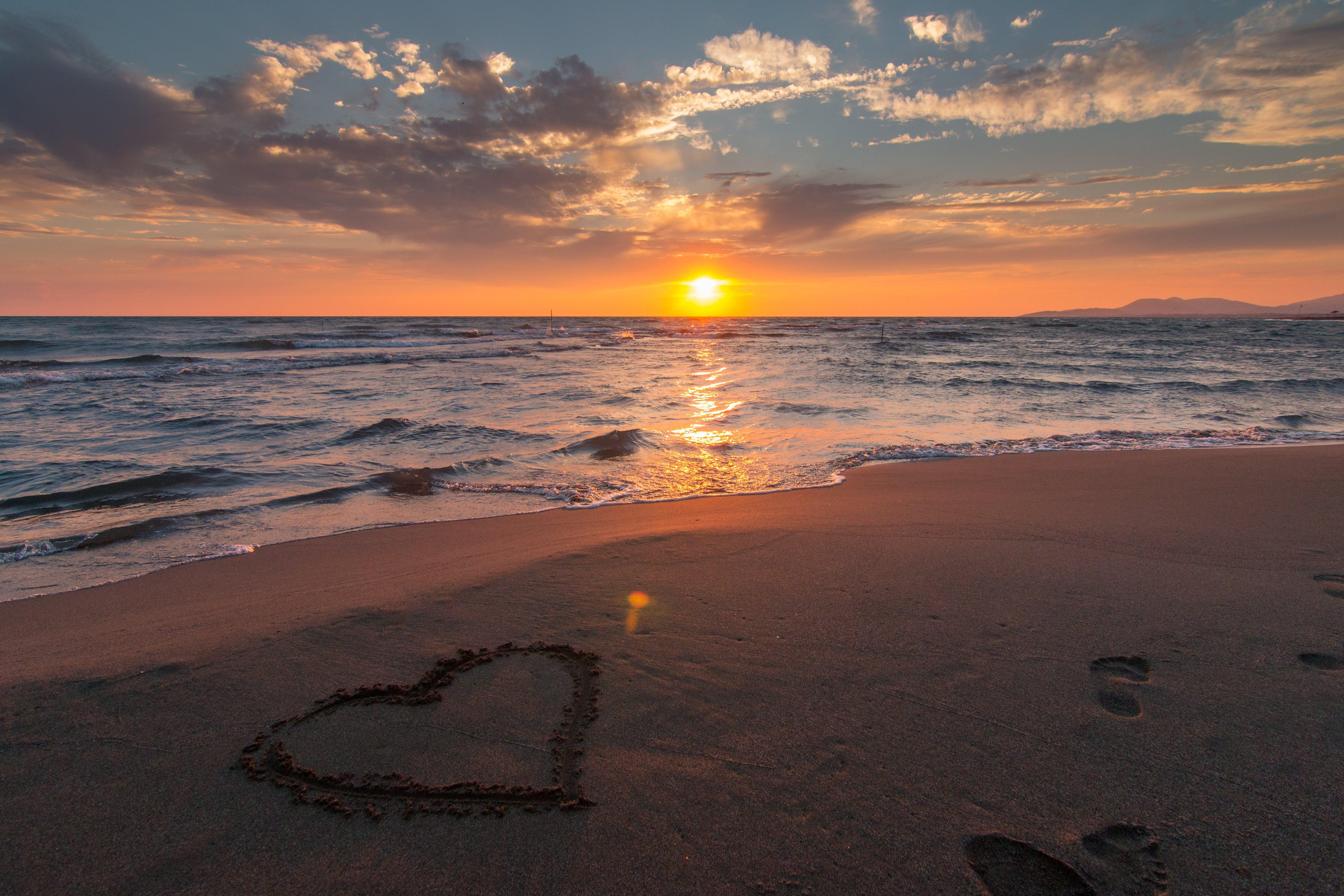 Photos gratuites de amour, art, aube, bord de mer