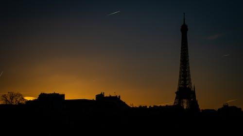 Fotobanka sbezplatnými fotkami na tému cestovanie, Eiffelova veža, Parížan, šero
