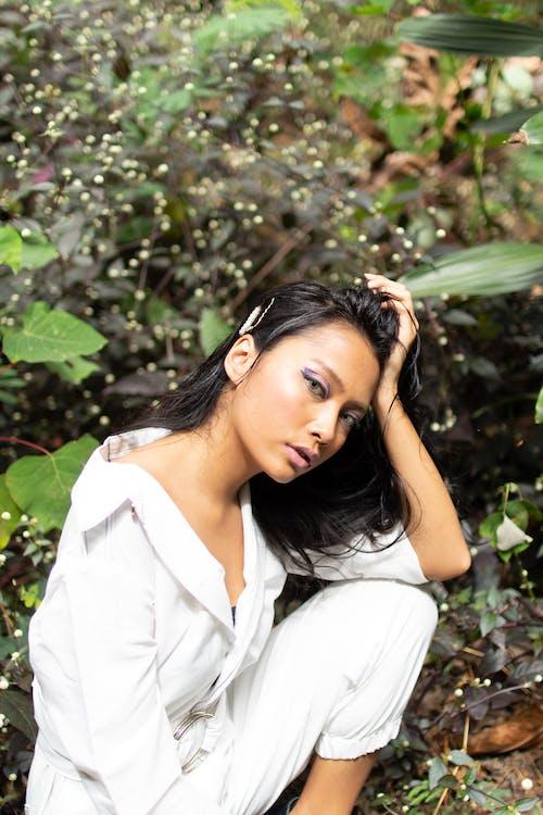 afslappet, ansigtsudtryk, asiatisk kvinde