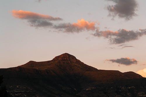 Бесплатное стоковое фото с гора, закат, красивый закат