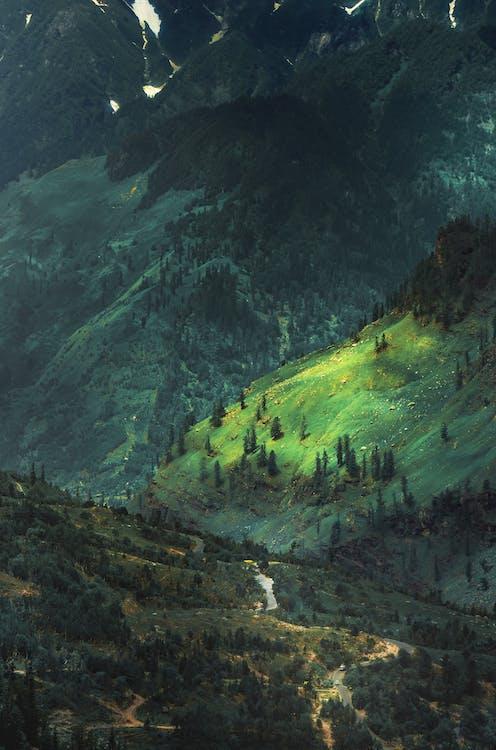 Kostenloses Stock Foto zu autobahn, berg, landschaft