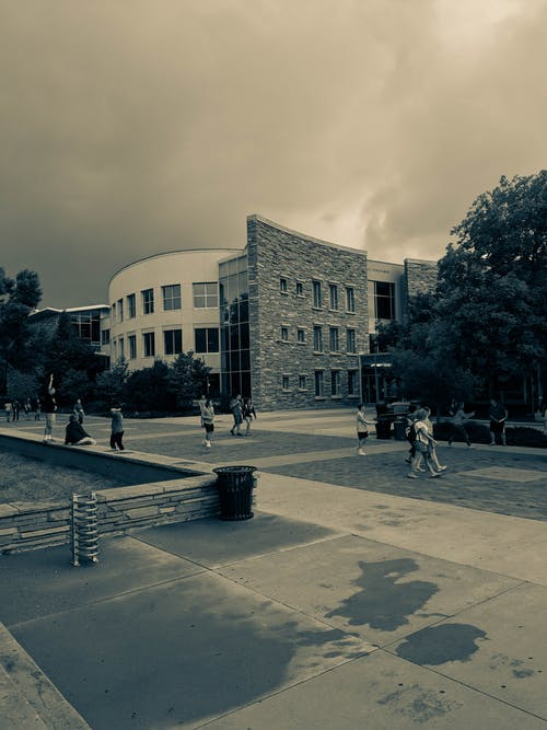 Gratis arkivbilde med bygninger, skyet