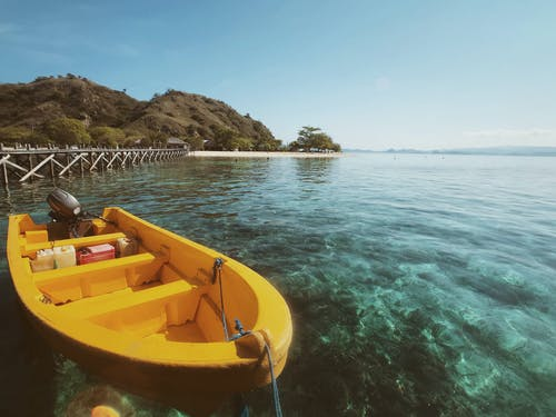 Бесплатное стоковое фото с желтый, индонезия, лодка, океан