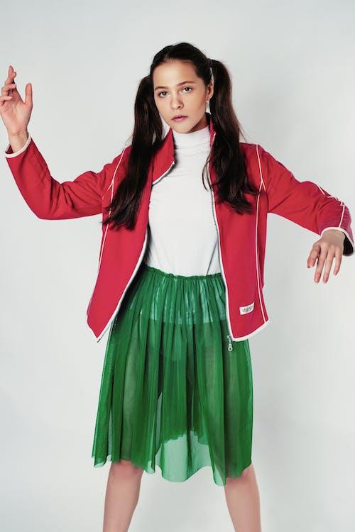 Základová fotografie zdarma na téma červená, dlouhé vlasy, figurína, hezký