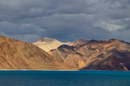 Gratis lagerfoto af bjerg, dagslys, eventyr, hav