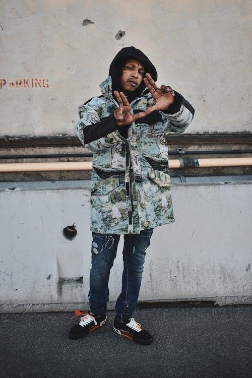 Foto profissional grátis de Hip hop, modelo, off white