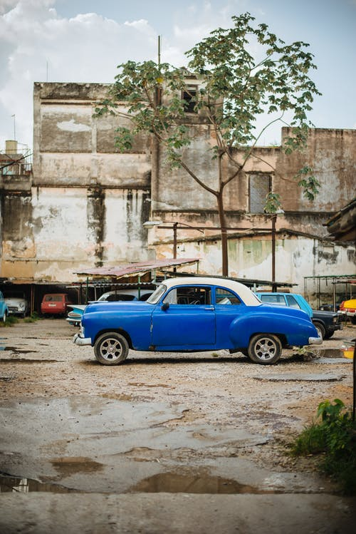 araba, başkent, eski araba, eski sokak içeren Ücretsiz stok fotoğraf