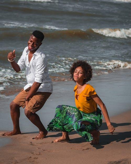 Foto d'estoc gratuïta de afroamericans, ballarins, felicitat, foto vertical