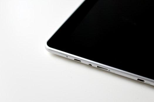 Free stock photo of smartphone, desk, notebook, internet