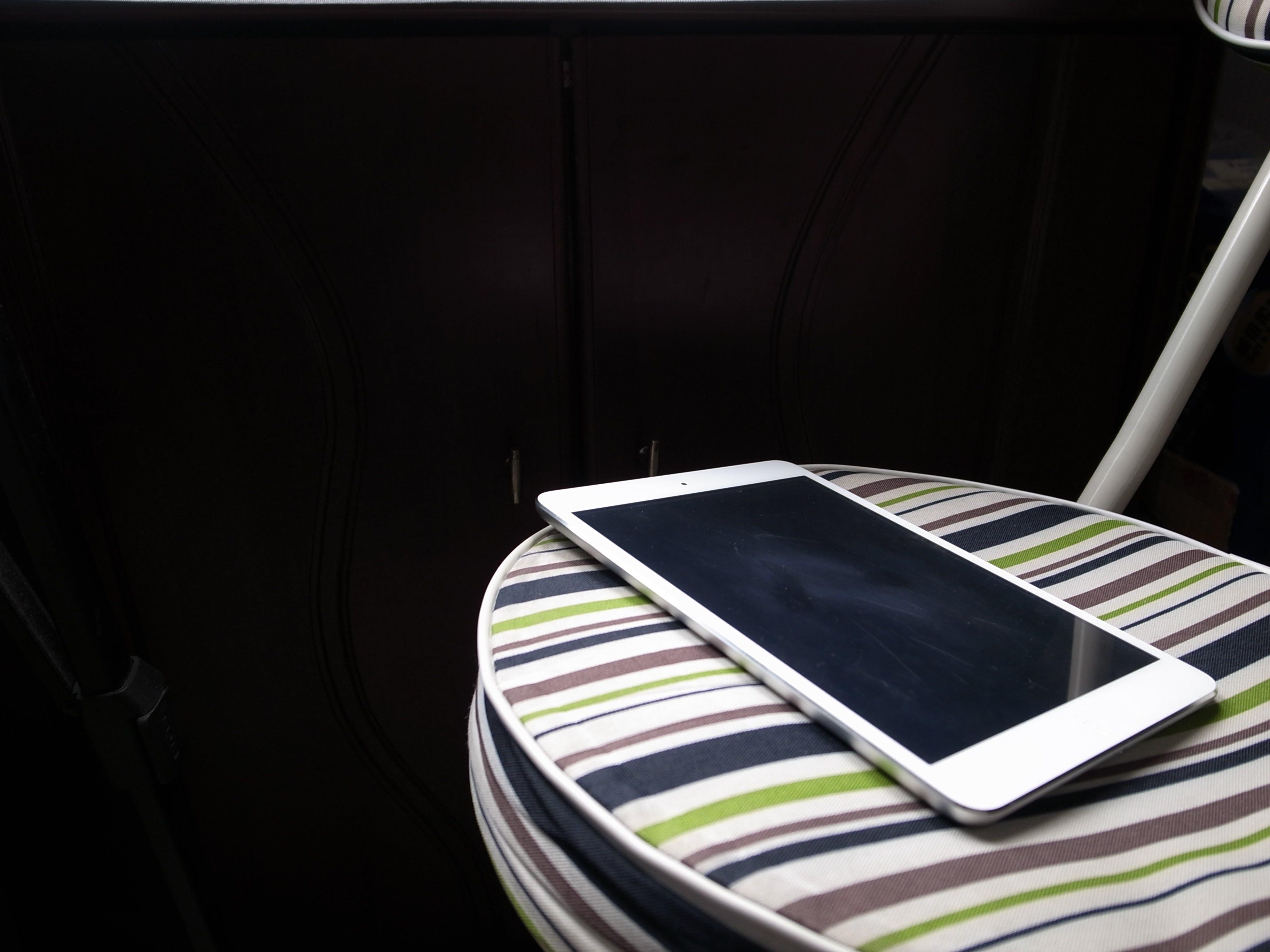 açık, apple, aygıt, bulanıklık içeren Ücretsiz stok fotoğraf